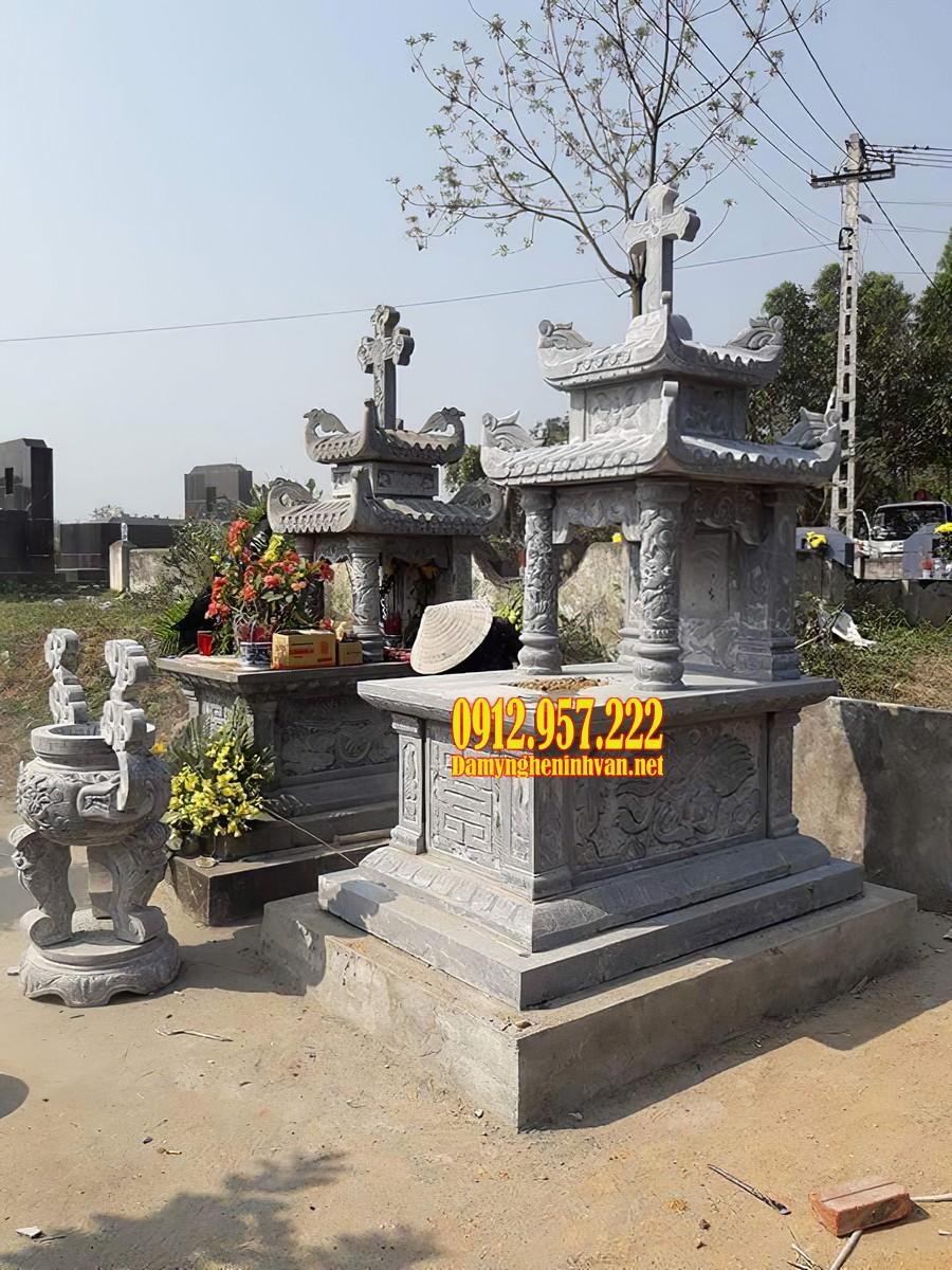 Mộ đá hai mái được thiết kế theo kiểu mộ đá công giáo đẹp mắt