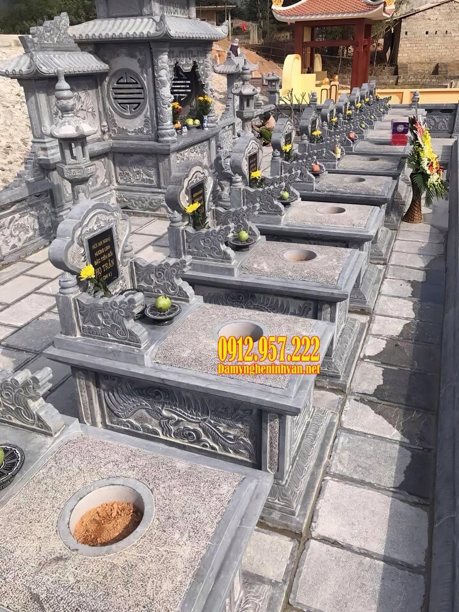 Khu lăng mộ đá dòng họ sử dụng nhiều mẫu mộ đá hậu bành