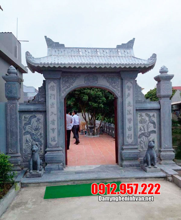 cổng nhà thờ tổ