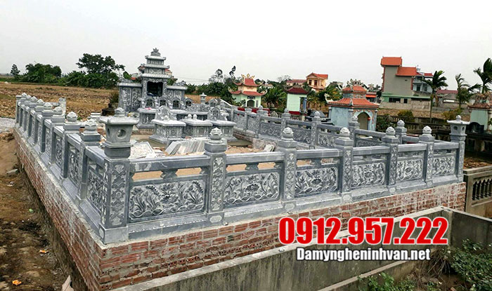 khu lăng mộ đá gia tộc bằng đá xanh tại Đắk Lắk