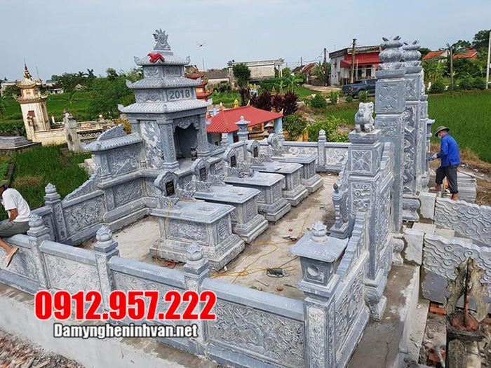 Khu lăng mộ đá dòng họ tại Quảng Ninh khá đẹp