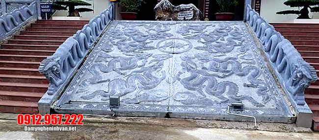 chiếu rồng đá tại chùa