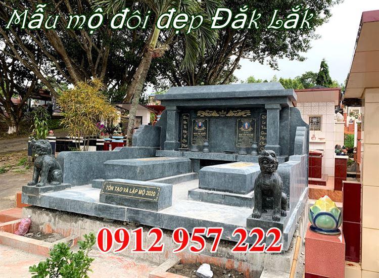 Lắp đặt mẫu mộ đôi đẹp bằng đá xanh rêu tại Đắk Lắk
