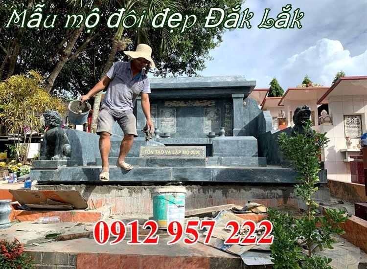 Xây mộ đôi bằng đá tại Đắk Lắk