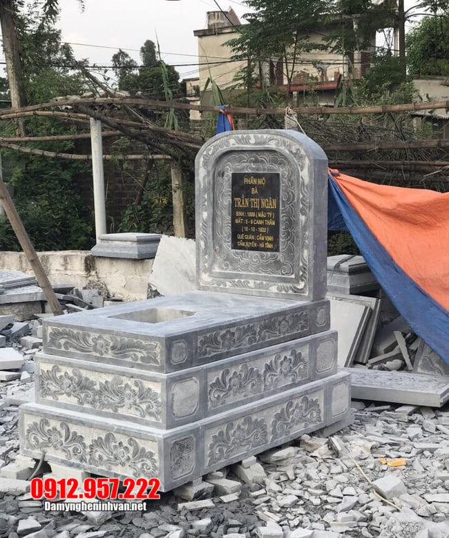 mẫu mộ tam cấp bằng đá xanh