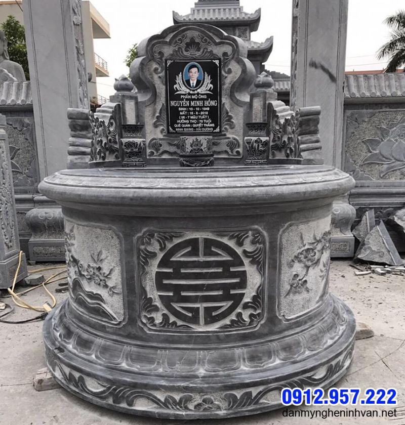 Mộ đá tròn lắp đặt ở Quảng Ninh
