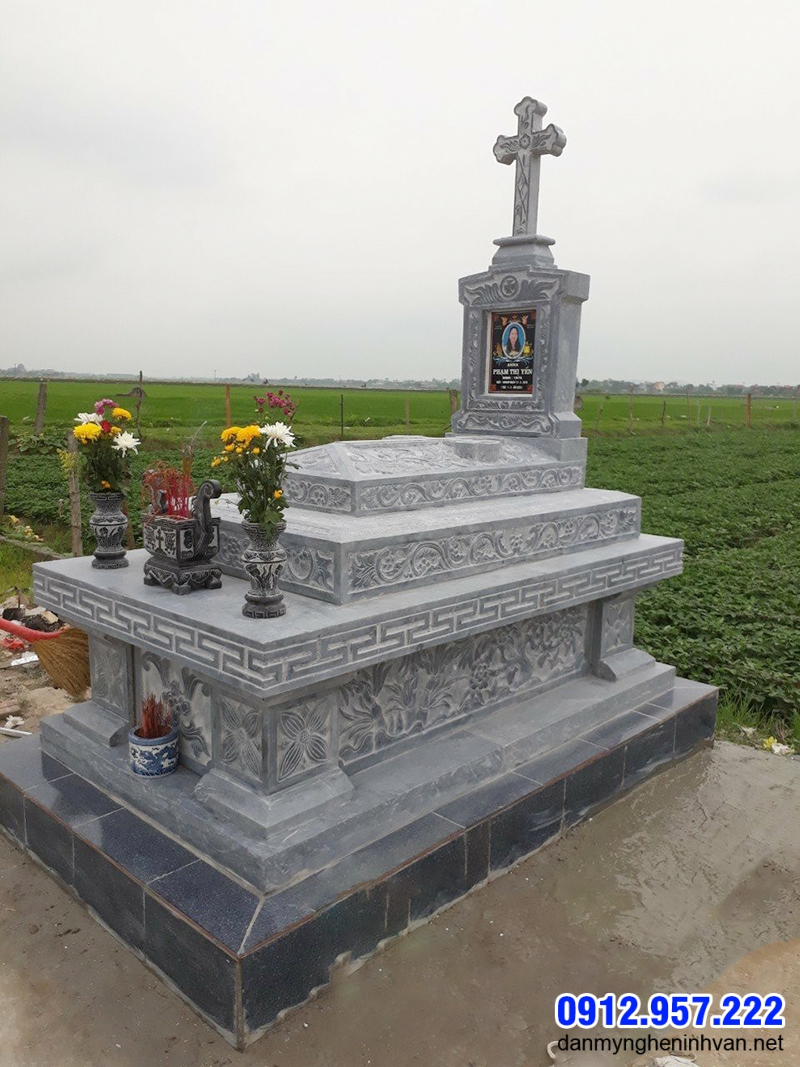Một mẫu mộ đạo đẹp cũng lắp đặt tại Yên Bái