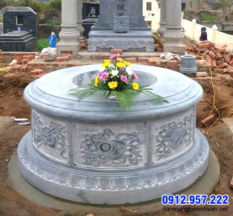 Mẫu mộ đẹp chuẩn phong thủy 2020 làm từ đá xanh