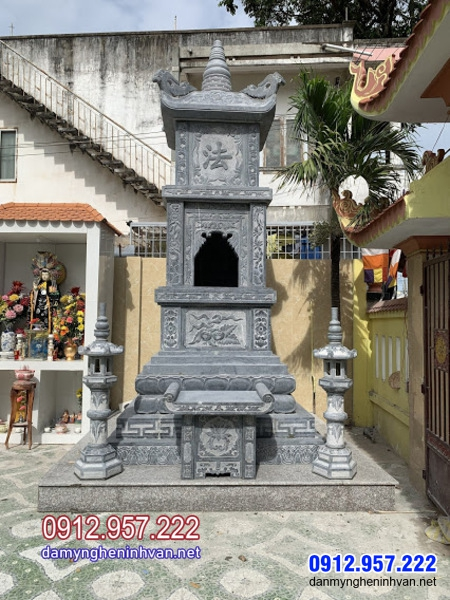 Mẫu tháp mộ đá tại Vĩnh Long
