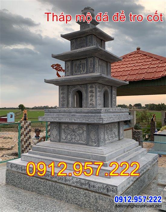 Mộ tháp bằng đá để thờ hũ tro cốt tại Bến Tre