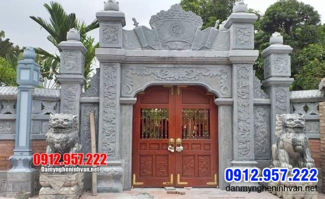 cổng đá tại Bạc Liêu