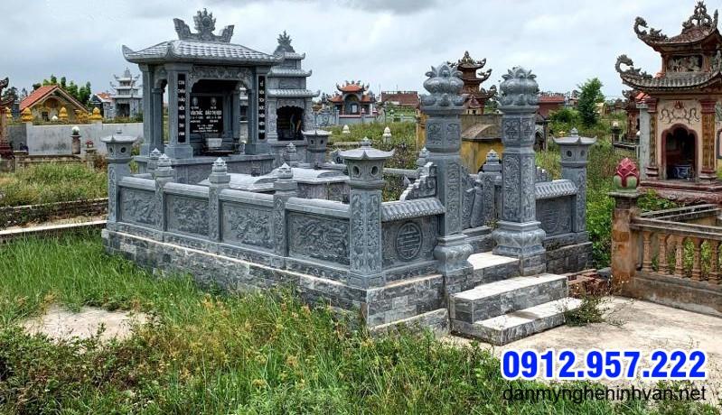 hàng rào khu nhà mộ bằng đá xanh tự nhiên đẹp