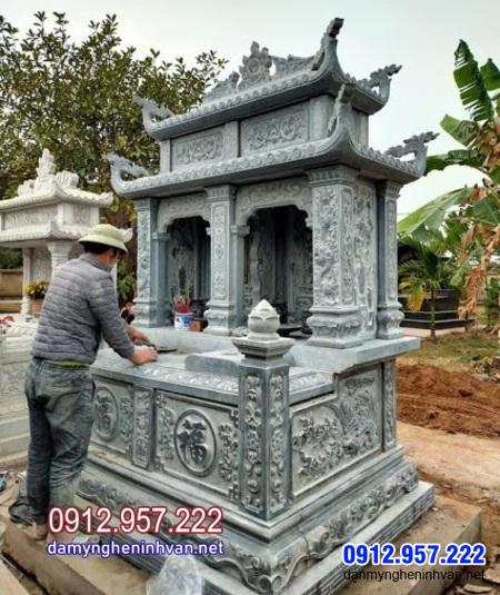 mộ đôi bằng đá đẹp được ưa chuộng lắp đặt tại Cà Mau