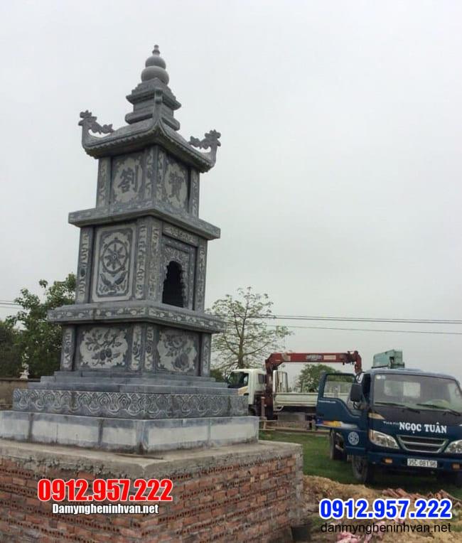 mộ tháp Phật Giáo bằng đá tại Bến Tre