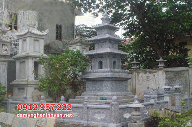 mộ tháp bằng đá tại Trà Vinh