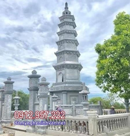 mộ tháp đá để tro cốt đẹp nhất tại Hậu Giang