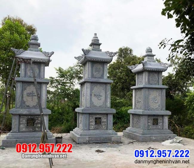 tháp mộ bằng đá để thờ hũ tro cốt tại Bến Tre