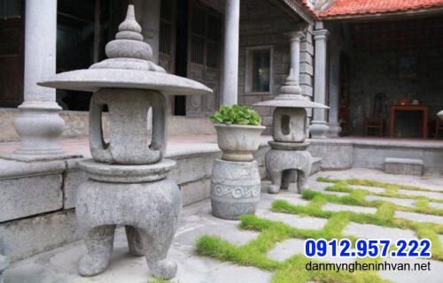 Mẫu đèn đá sân vườn giá rẻ