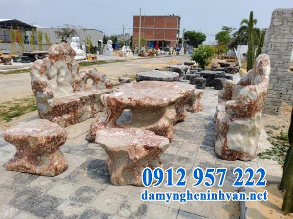 Mẫu bàn ghế đá ngoài trời đẹp