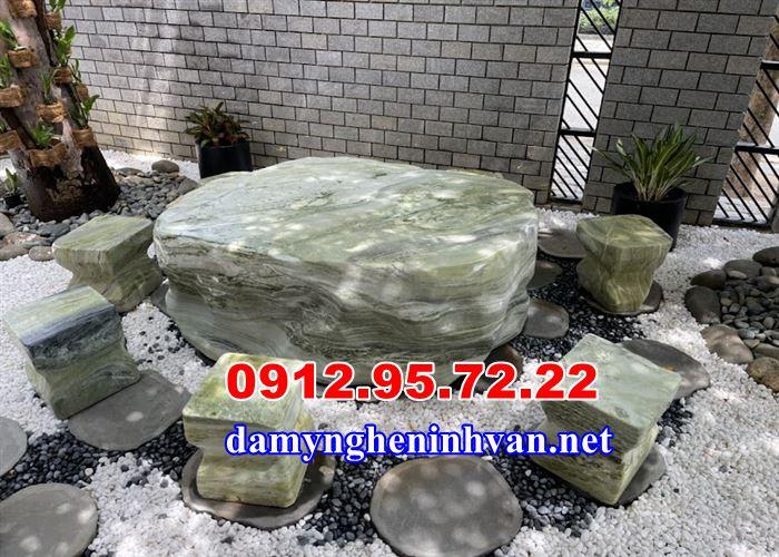 Bàn ghế đá tự nhiên sân vườn biệt thự tại Nha Trang, Bàn ghế đá tự nhiên Nha Trang