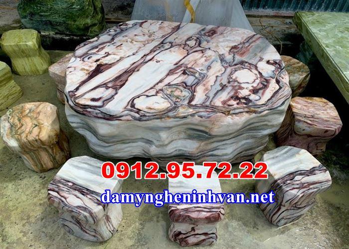 Bàn ghế đá tự nhiên sân vườn tại Hà Nội
