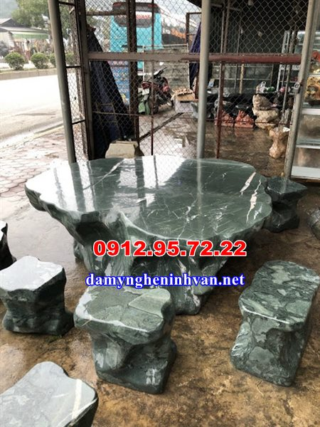 Bàn ghế đá tự nhiên sân vườn Quảng Ninh