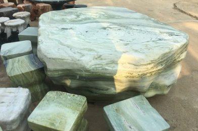 3 ưu điểm của bộ bàn ghế đá nguyên khối