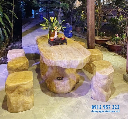 Mẫu bàn ghế đá nguyên khối đẹp
