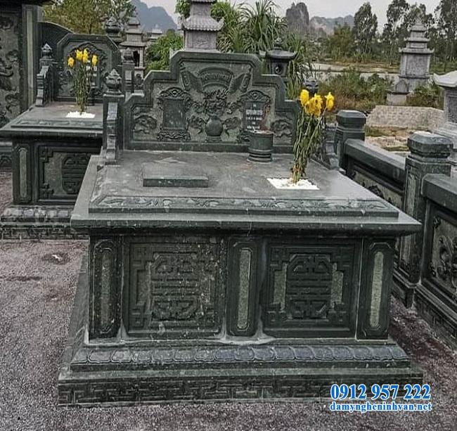 Mẫu lăng mộ đôi bằng đá xanh rêu