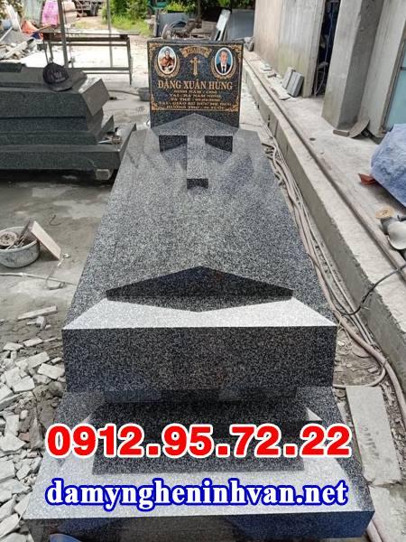 Mẫu mộ người theo đạo bằng đá hoa cương đẹp