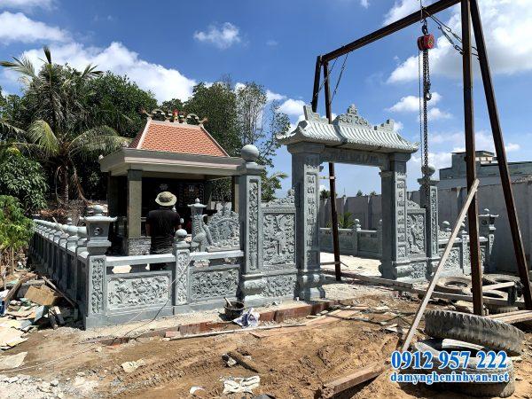 Lắp đặt cổng đá nhà mồ tại Sài Gòn